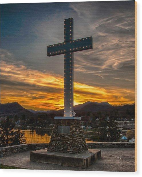 Cross At Lake Junaluska Wood Print