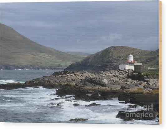 Crowell Point Lighthouse Wood Print