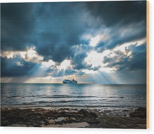 Cruise In Paradise Wood Print