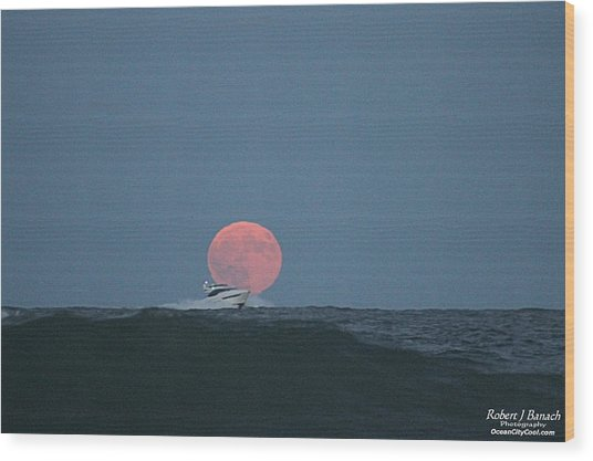 Cruising On A Wave During Harvest Moon Wood Print
