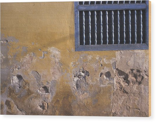Cuban Wall And Window Wood Print