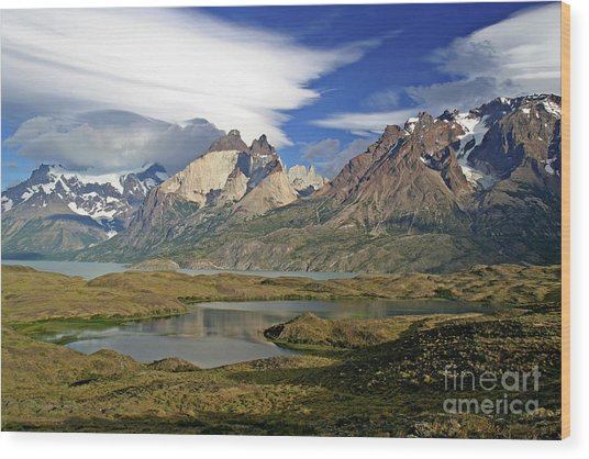 Cuernos Del Pain And Almirante Nieto In Patagonia Wood Print