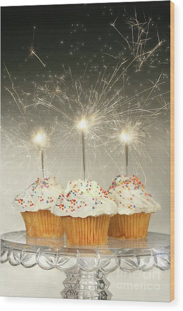 Cupcakes With Sparklers Wood Print