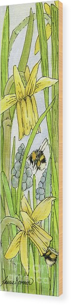 Daffodils And Bees Wood Print