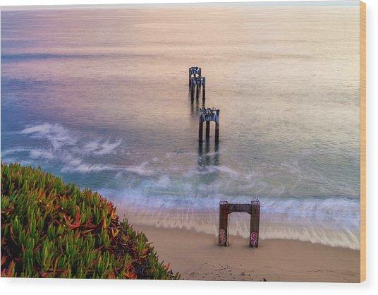 Danvenport Pier Wood Print