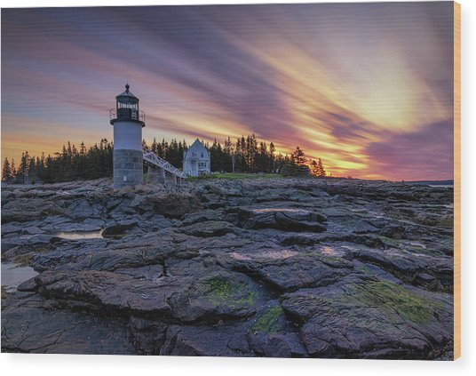 Dawn Breaking At Marshall Point Lighthouse Wood Print