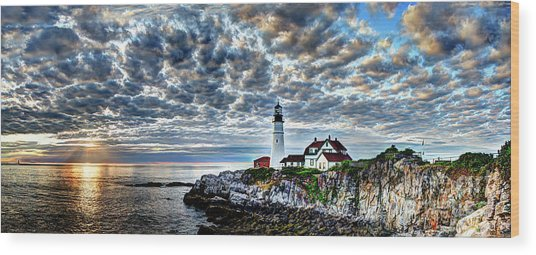 Dawn Breaks At Portland Head Light Pano Wood Print