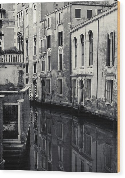 Dawn Canal, Venice, Italy Wood Print