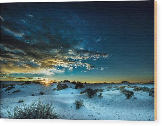 Daybreak At White Sands Wood Print