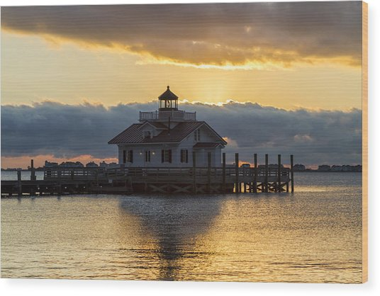 Daybreak Over Roanoke Marshes Lighthouse Wood Print