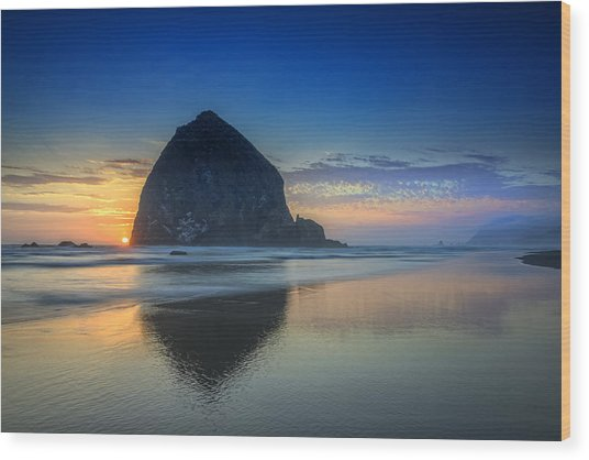 Day's End In Cannon Beach Wood Print