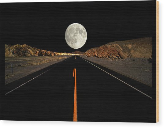 Death Valley Moon Rise Wood Print