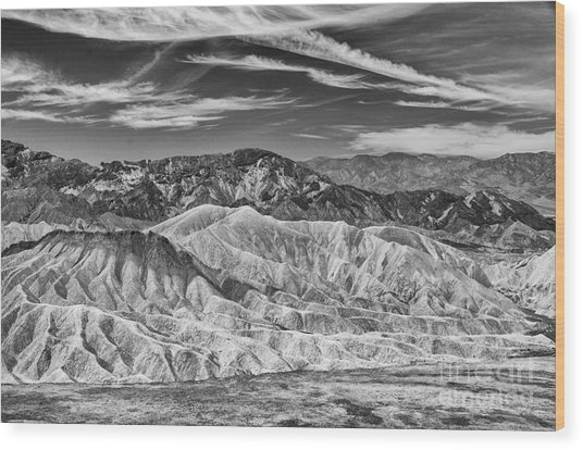 Deathvalley Cracks And Ridges Wood Print