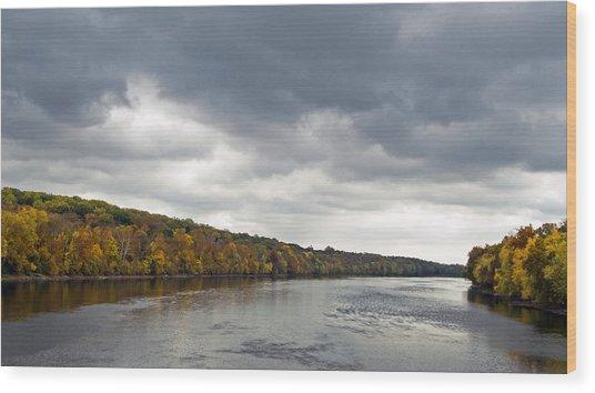 Delaware In Autumn Wood Print