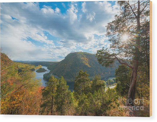 Delaware Water Gap In Autumn Wood Print