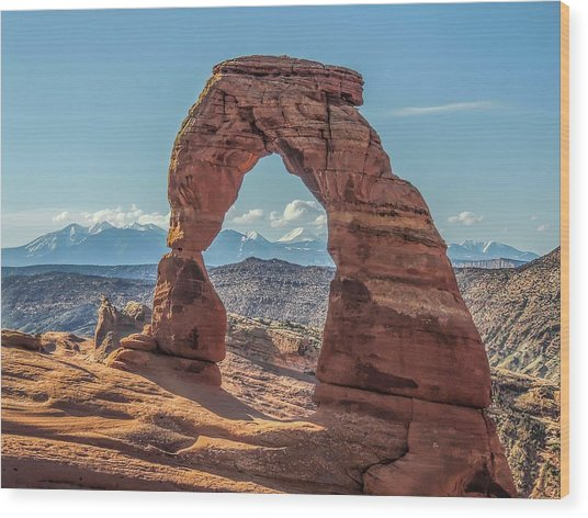 Delicate Arch In Early Morning Wood Print
