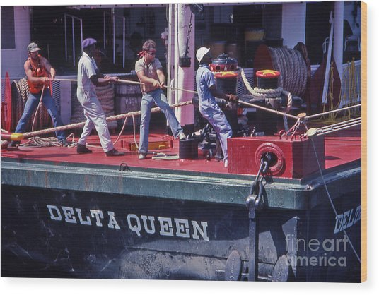 Delta Queen Riverboat Wood Print by Randy Muir