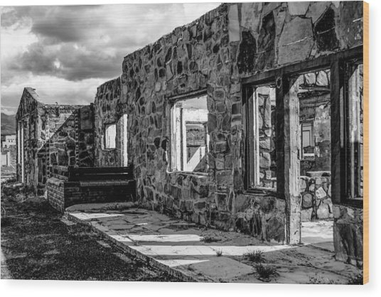 Desert Lodge Bw Wood Print