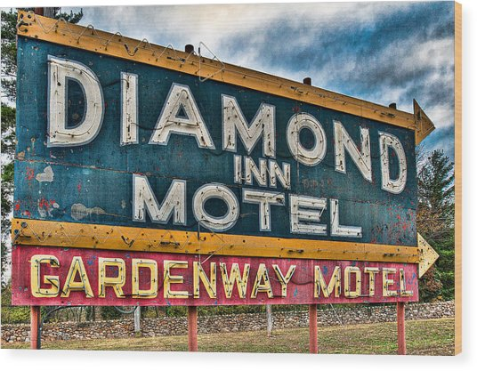 Diamond Inn Motel Sign Wood Print