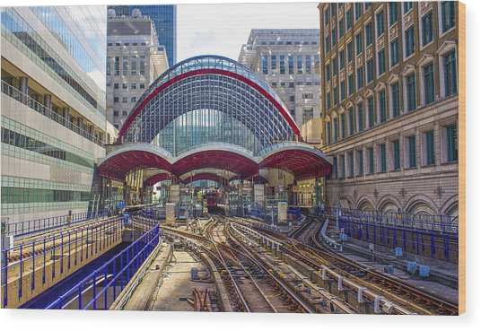 Dlr Canary Wharf And Approaching Train Wood Print