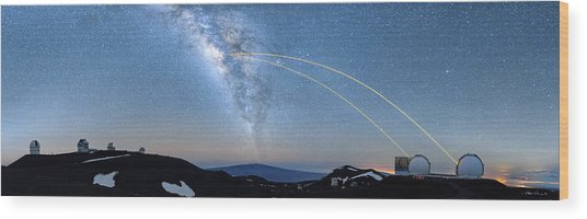 Double Lasers With The Milky Way Panorama Wood Print
