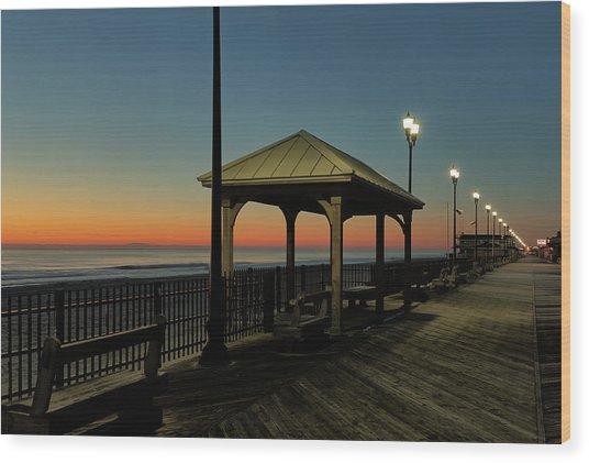 Down The Shore At Dawn Wood Print