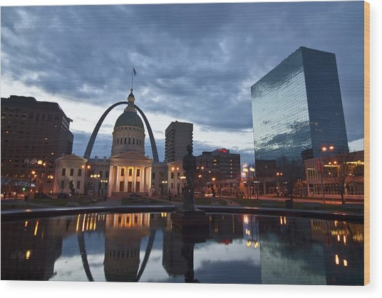 Downtown St. Louis At Dawn Wood Print