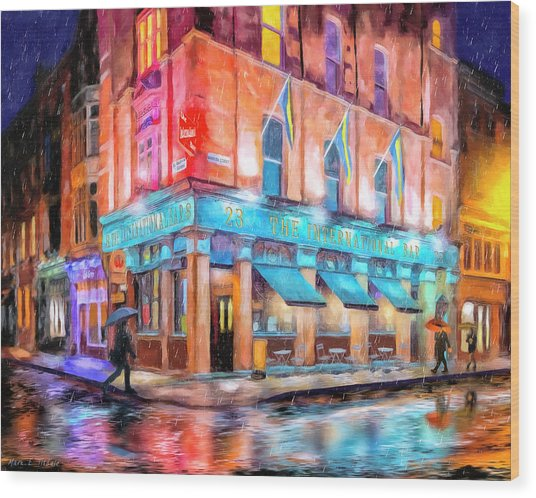 Wood Print featuring the painting Dublin In The Rain by Mark Tisdale