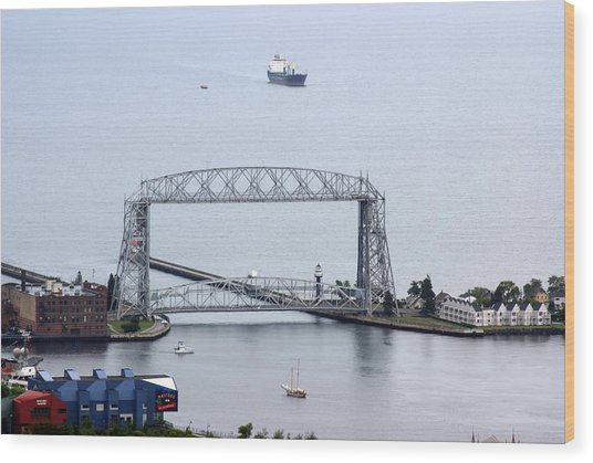 Duluth Lift Bridge On A Grey Day Wood Print