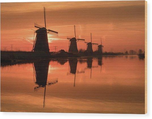 Dutch Sillhouette Wood Print