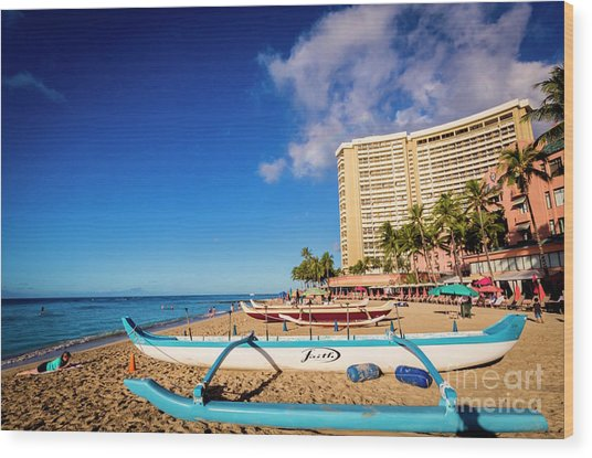Early Morning At Outrigger Beach,hawaii Wood Print