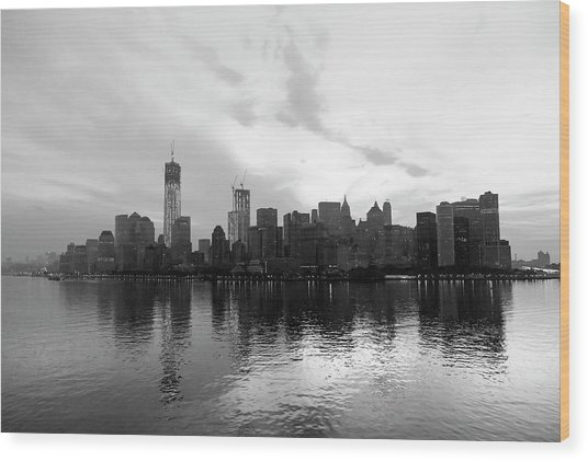 Early Morning In Manhattan Wood Print