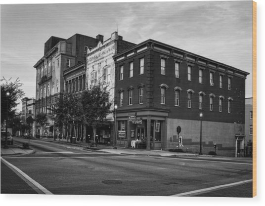 Early Morning In Wilmington In Black And White Wood Print
