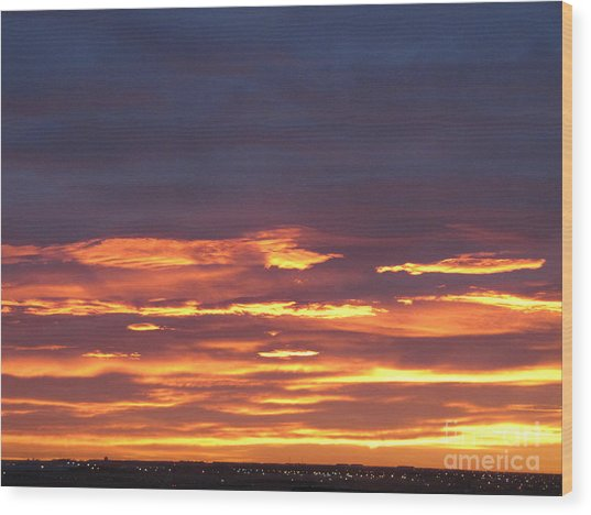 Early Prairie Sunrise Wood Print
