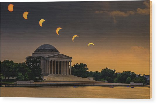 Eclipse Over Jefferson Wood Print by Kristen Meister