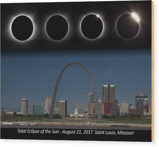 Eclipse - St Louis Skyline Wood Print