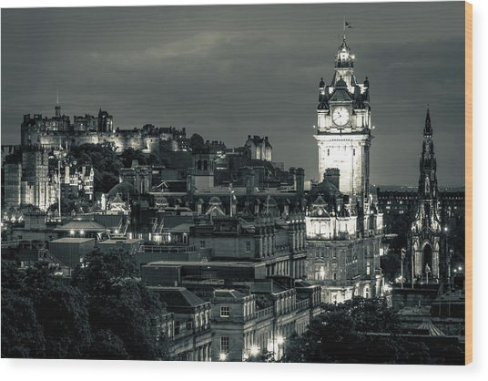 Edinburgh In Black And White Wood Print