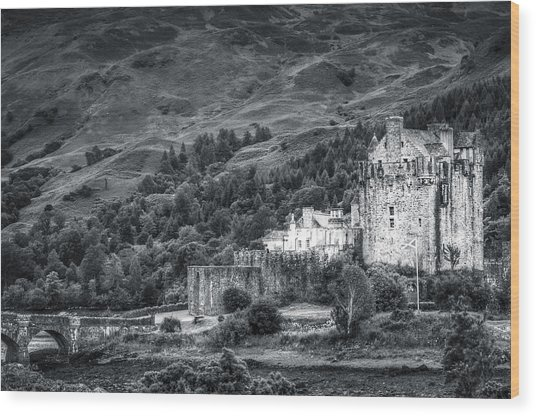 Eilean Donan Castle, Dornie, Kyle Of Lochalsh, Isle Of Skye, Scotland, Uk Wood Print
