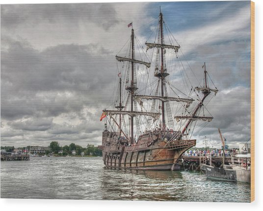 El Galeon Andalucia In Portsmouth Wood Print