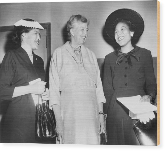 Eleanor Roosevelt, With Two African Wood Print by Everett