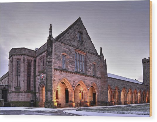 Elphinstone Hall - University Of Aberdeen Wood Print