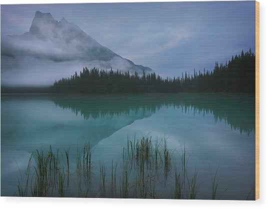 Emerald Lake Before Sunrise Wood Print