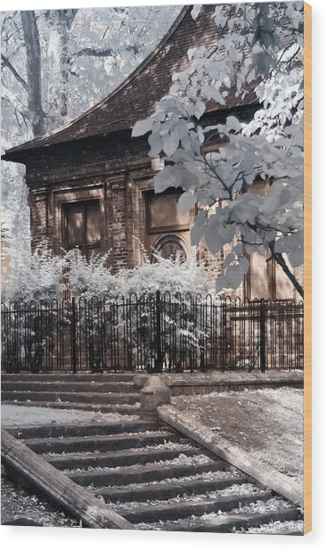 English Garden House Wood Print