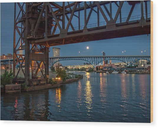 Evening On The Cuyahoga River Wood Print