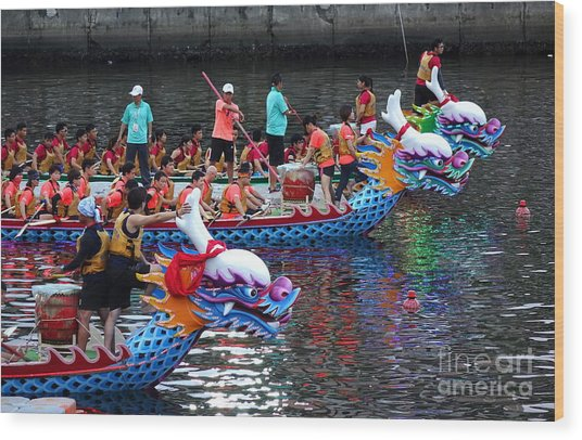 Evening Time Dragon Boat Races In Taiwan Wood Print