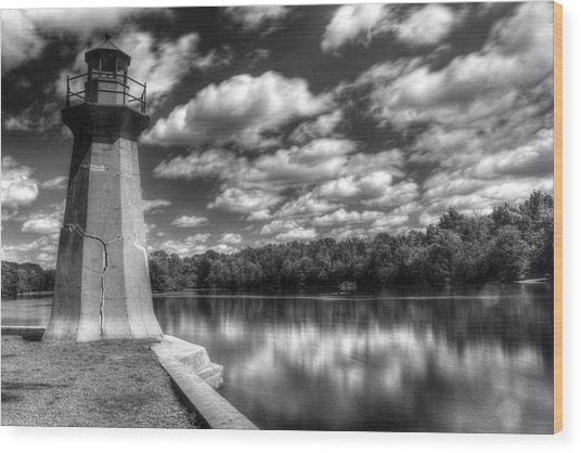 Fabyan Lighthouse On The Fox River Wood Print