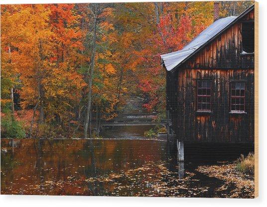 Fall Barn And River N Leverett Ma Wood Print by Richard Danek