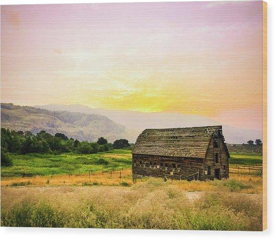 Twilight At The Okanagan Farm House Canada Wood Print