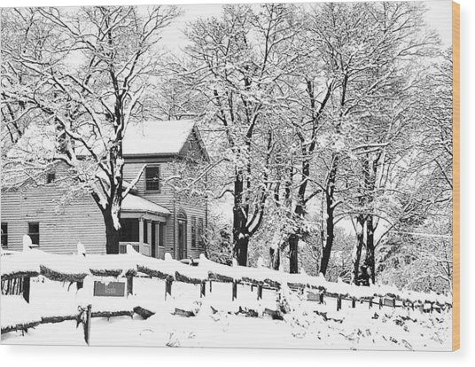Farmhouse In Winter Wood Print