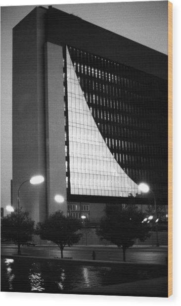 Federal Reserve Building At Twilight Wood Print